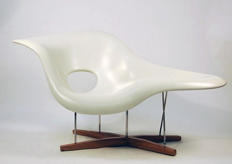 Eames Style La Chaise